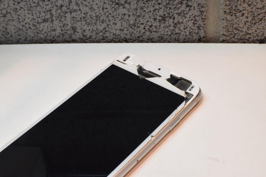 2017年4月26日iPhone6のガラス割れ修理のご依頼!